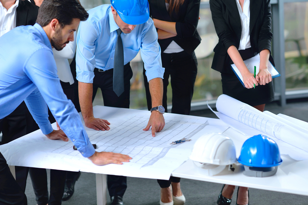 engineering project manager Project engineer vs project manager  like project engineers, are experts in engineering principles and use them to find environmental solutions through the additional study of soil, chemistry.