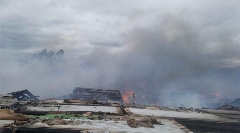 Cháy kho chứa hàng dự án xây dựng nhà máy điện mặt trời tại Khánh Hòa