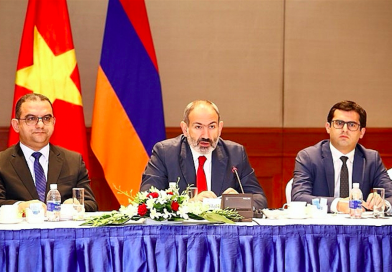 Armenian PM seeks to boost trade, investment ties with Vietnam
