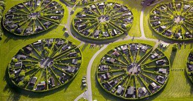 """Độc đáo khu đô thị vòng tròn """"siêu thực"""" của người Đan Mạch"""
