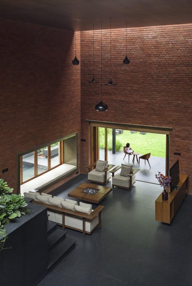Phòng khách thiết kế đơn giản nhưng rất sang trọng.