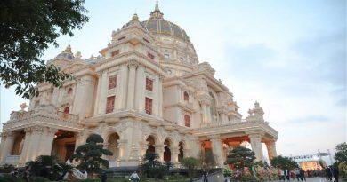 """Choáng ngợp kiến trúc bên trong """"cung điện"""" 1.000 tỷ của đại gia Ninh Bình"""