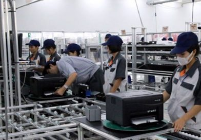 Vietnam's manufacturing drops to record low in March due to pandemic