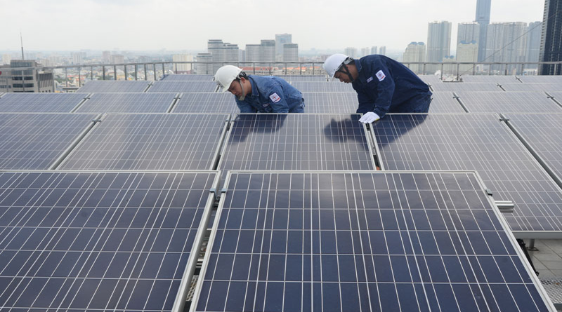 EVN calls for investment in solar power plants on reservoirs