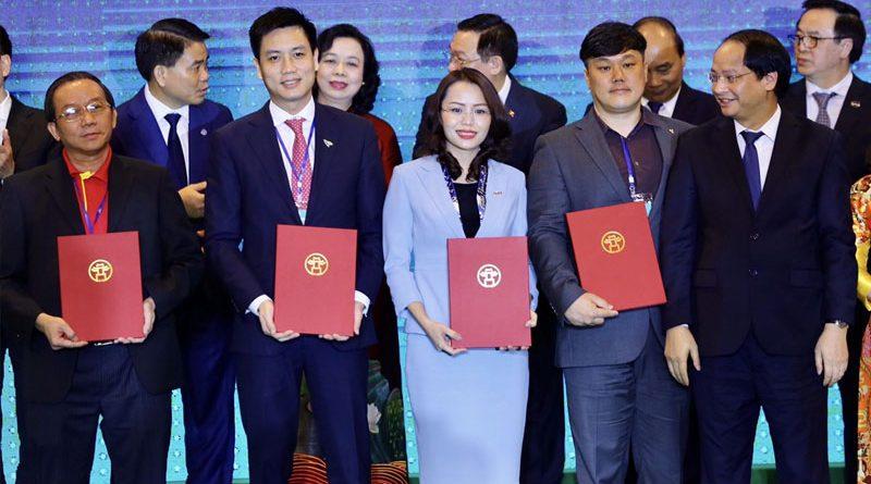Tập đoàn FLC kí biên bản ghi nhớ ba dự án 1.540 ha tại Hà Nội